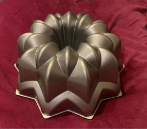 Receta de Bundt Cake de chocolatinas Twix